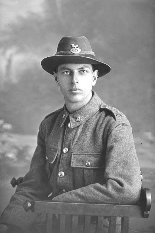 3/4 portrait of Private Erni Bond, Reg No 44680, Auckland Infantry Regiment, - A Company, 24th Reinforcements. Killed in action in France 4 Oct 1917. Battle of Passchendaele. - Auckland Libraries