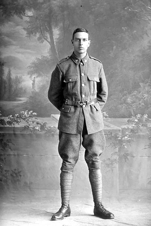 Full length portrait of Private Erni Bond, Reg No 44680, Auckland Infantry Regiment, - A Company, 24th Reinforcements. Killed in action in France 4 Oct 1917. Battle of Passchendaele. - Auckland Libraries