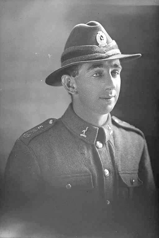 1/4 portrait of Private William Parker, Reg No 38740, of the Auckland Infantry Regiment, 22nd Reinforcements, - E Company. Killed in action in France on 4th October 1917 at the Battle of Passchendaele. - Auckland Libraries