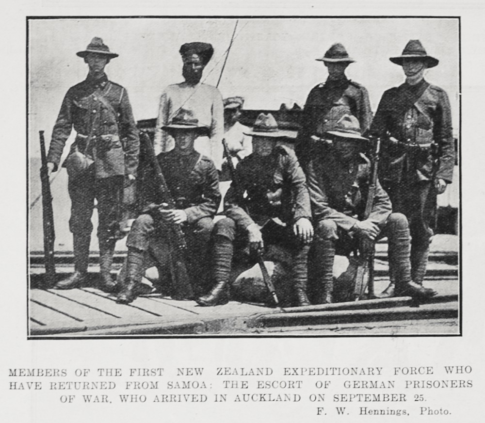 Members of the first New Zealand Expeditionary Force who have returned from Samoa: The escort of German prisoners of war, who arrived in Auckland on September 25. - Auckland Libraries