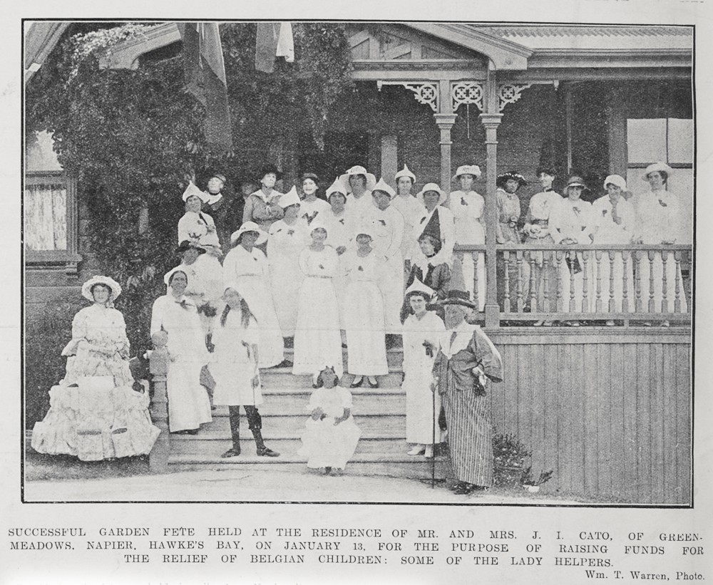 Successful garden fete held at the residence of Mr. And Mrs. J. I. Cato, of Greenmeadows, Napier, Hawke's Bay, on January 13, for the purpose of raising funds for the relief of Belgian children: some of the lady helpers. - Auckland Libraries