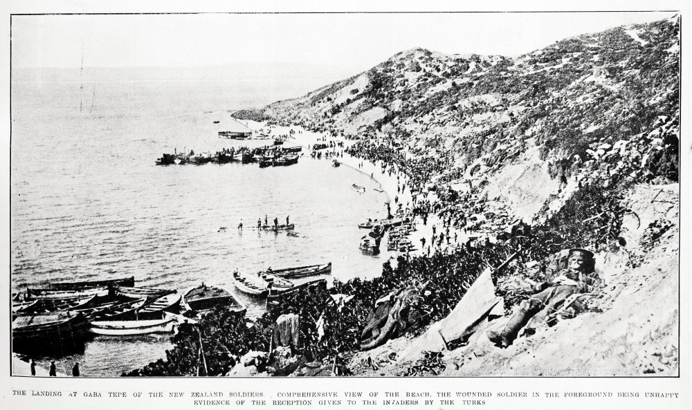 The landing at Gaba Tepe of the New Zealand soldiers: comprehensive view of the beach. The wounded soldier in the foreground being unhappy evidence of the reception given to the invaders by the Turks - Auckland Libraries