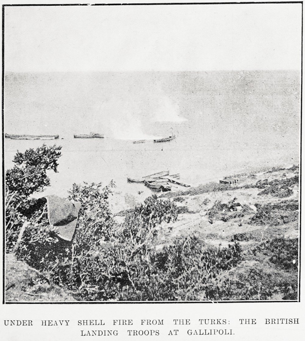Under heavy shell fire from the Turks: the British landing troops at Gallipoli. - Auckland Libraries