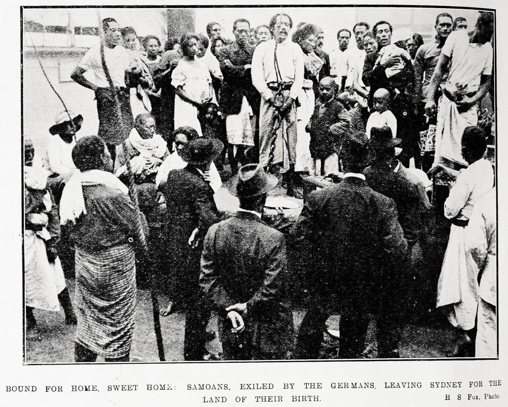 Bound for home, sweet home: Samoans, exiled by the Germans, leaving Sydney for the land of their birth. - Auckland Libraries
