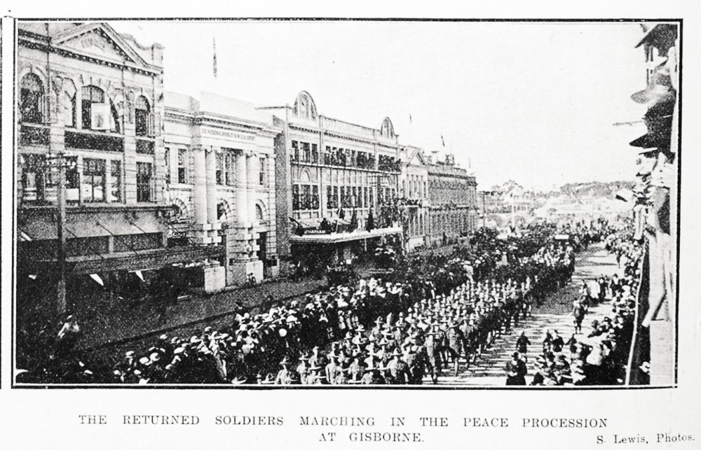 The returned soldiers marching in the peace procession at Gisborne. - Auckland Libraries