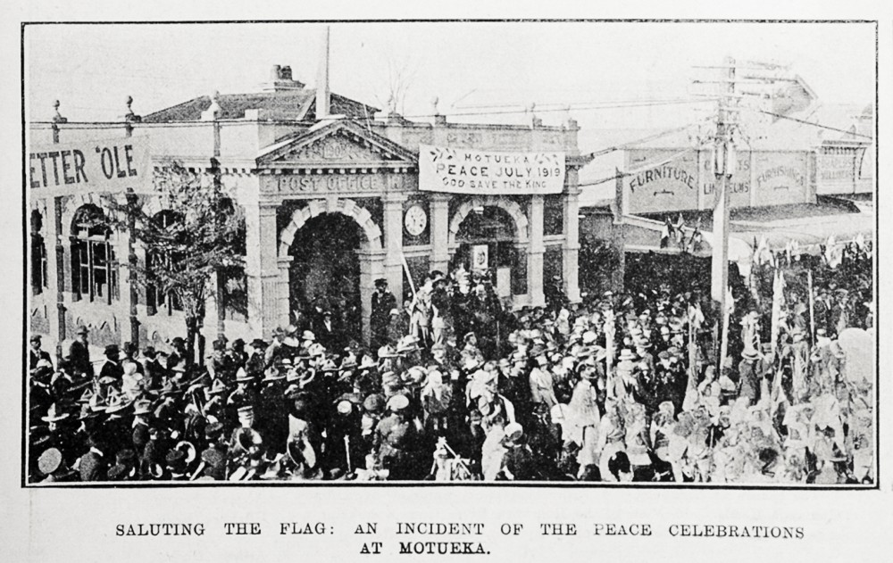 Saluting the flag: an incident of the peace celebrations at Motueka. - Auckland Libraries