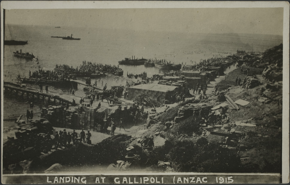 Landing at Gallipoli Anzac 1915 - Auckland Libraries